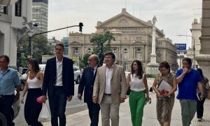 """Diputados del Frente Renovador fueron a la Justicia por el """"decretazo"""" de Macri"""