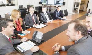 Jorge Capitanich y Débora Giorgi recibieron al CEO de General Motors, Dan Ammann