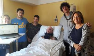 Dos estudiantes de la Universidad del Sur diseñan dispositivo para que cuadripléjico pueda comunicarse