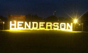 Acceso a Henderson, cabecera de Hipólito Yrigoyen.