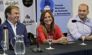 """Este programa se complementa con """"Argentina contra el Hambre"""" y la tarjeta alimentAR"""