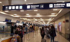 Se flexibiliza el ingreso en avión al país. Foto: LaNoticia1.com.