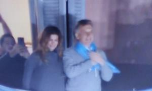 Macri saludó desde el balcón de la Rosada