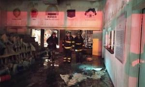 El Centro Cultural Munro quedó destruido por el fuego.