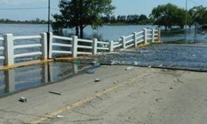 Colapsó el puente de acceso a General Arenales. Foto: Diario Democracia.