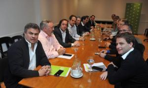 Intendentes peronistas se reunieron con ministros de Vidal para monitorear cuestión social