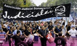 Los Judiciales bonaerenses reclaman urgente convocatoria a discutir salarios