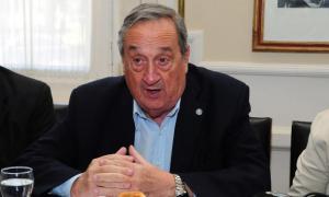 Miguel Lunghi reavivó el debate por el congelamiento o baja de salarios