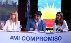 Magario junto a los diputados nacionales Fernando Espinoza y Fernanda Raverta.
