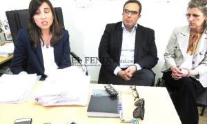 La fiscal Margaretic anunció que a partir de ahora investigará el homicidio culposo. Acompañada de los funcionarios judiciales Sergio Hernández y Paula Rodríguez.