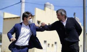 Junto a Máximo Kirchner, Kicillof y la intendenta Fernández entregaron 364 viviendas en el barrio La Perla de Moreno