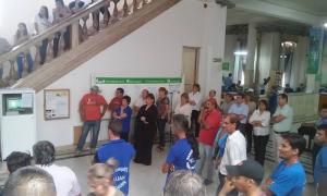 Los municipales de Luján continúan de paro.