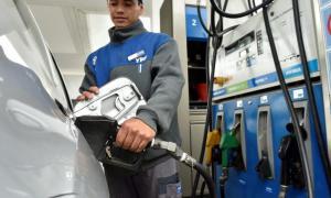 En Lomas de Zamora será más caro cargar nafta. Foto: Prensa