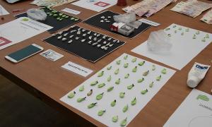 Los elementos secuestrados por la policía de Morón.