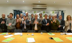 Firma del acta: La provincia inaugurará once observatorios municipales de seguridad vial.