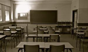 Finalmente no se dictará clases en establecimientos públicos.