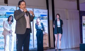 Pablo Albamonte junto a Ximena Zamudio- Directora Comercial, Anabella Destefano- Gerente de Reservas y Paula Bustamante, Gerente de Marketing