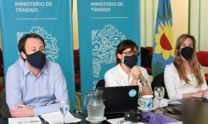 Ministro de Economía, Pablo López, de Trabajo, Mara Ruiz Malec y Directora de Educacióny Cultura, Agustina Vila.