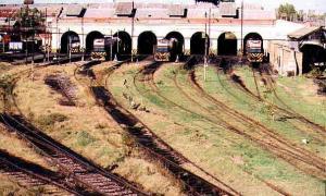 La disolusión de Ferrobaires provocó que 1300 trabajadores pierdan sus puestos de trabajo. Foto: ferrocarrilesdelsud.blogspot.com