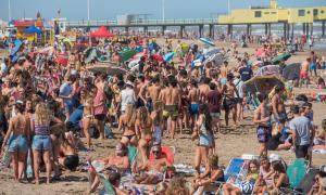 Los jóvenes aglomeraron las playas