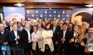 Cristina Kirchner volvió a pisar la sede del PJ nacional y transmitió mensaje de unidad