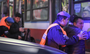 Cerca de mil detenidos por tenencia de drogas en colectivos de Lanús en los últimos seis meses