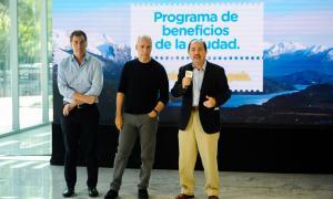 Presentación de descuentos y cuotas de Banco Ciudad. Diego Santilli, vicejefe de gobierno de la Ciudad de Buenos Aires; Horacio Rodriguez Larreta, jefe de gobierno de la Ciudad; y Javier Ortiz Batalla, presidente del Banco Ciudad.