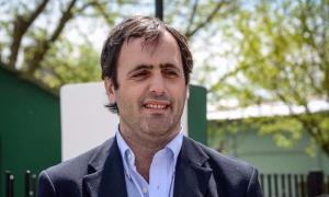Polémica en Maipú por el aumento de sueldo del Intendente.