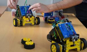 Escuela Técnica de Las Heras se sumó al Programa provincial de Robótica
