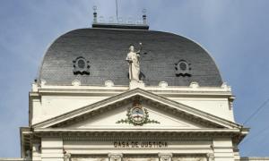 Vidal acepta renuncias en la Justicia bonaerense y designa jueces, fiscales y defensores oficiales