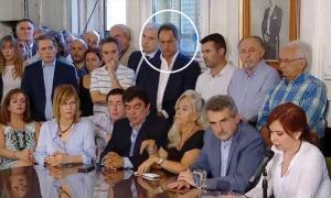 Allanaron propiedades de Daniel Scioli mientras apoyaba a Cristina en el Congreso