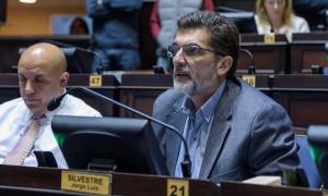 """""""Vidal está defendiendo el sueldo de los docentes"""", dijo el diputado de Cambiemos, Jorge Silvestre"""