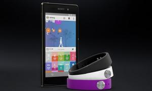La pulsera inteligente de Sony, Smartband, ya está disponible en las tiendas de la marca