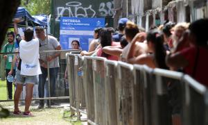 Arrancó entrega de la tarjeta alimentaria de 4.000 pesos en Almirante Brown