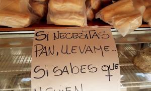 Facebook: La Tia Potota
