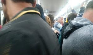 En Merlo el tren Sarmiento estuvo colmado y el servicio reportó demoras. Foto: @21_nanu