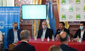 Firma del Convenio entre la UNAHUR y el Municipio