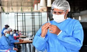 Llegaron 900 dosis de la vacuna china Sinopharm.