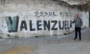 Valenzuela lanzó una pícara respuesta en Instagram.