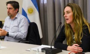 Agustina Vila junto al Ministro de Educación Nacional,  Nicolás Trotta