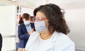 La ministra de Salud Carla Vizzotti este viernes por la mañana en Morón.