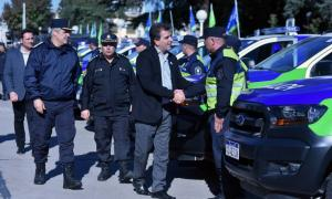Ritondo entregó nuevas unidades para las comunas del interior bonaerense. Foto: Prensa