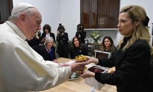 La primera dama y el Papa Francisco se encontraron en el Vaticano