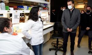 Sergio Massa recorrió los laboratorios de la Universidad de San Martín