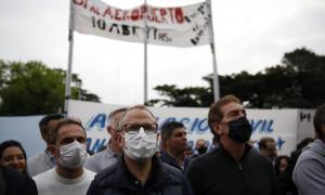 Marcha: Valenzuela junto a Santilli por la reapertura del aeropuerto El Palomar