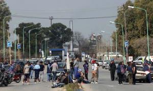 Por los incidentes en Ensenada, YPF analiza paralizar obras si sigue la tensión