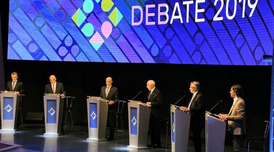 Los candidatos debatieron en Santa Fe.