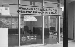 El cierre del CAJ de Avellaneda generó durísimas críticas contra Macri.