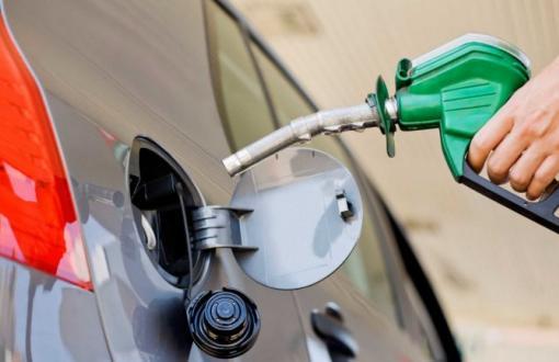 Las petroleras afirman que las naftas ya deberían costar 10% más.