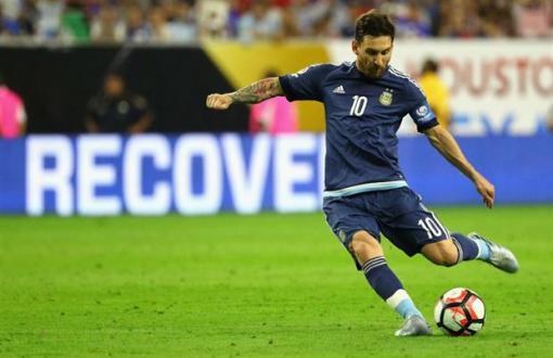 Messi busca alcanzar su primer título con la Selección.